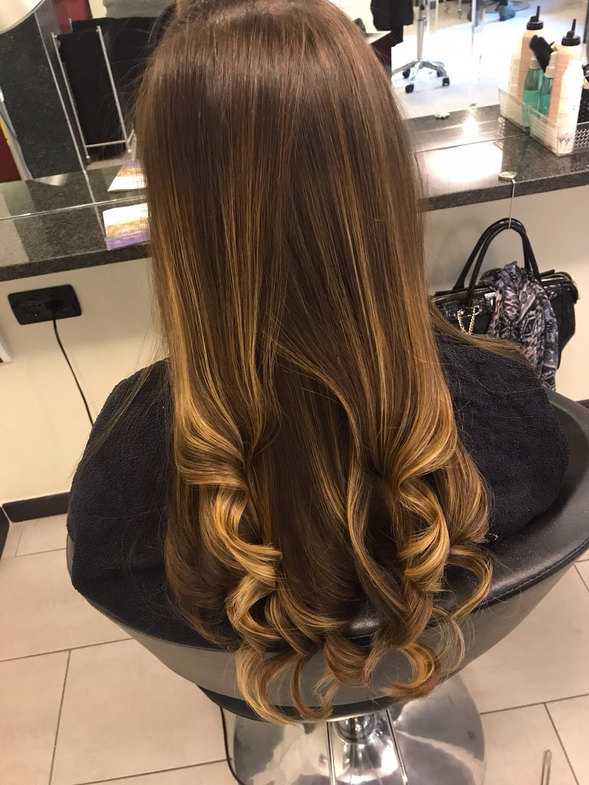 cdc hair long castano